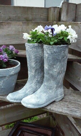 DIY Concrete Garden Decor That Will Steal The Show For