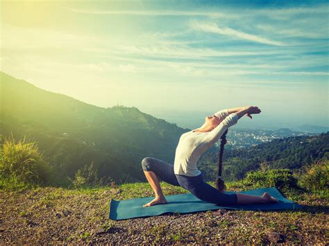 Get motivated in minutes with morning yoga - Easy Health