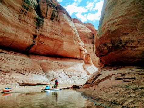 Stand Up Paddle auf dem Lake Powell in Page | Sonnig