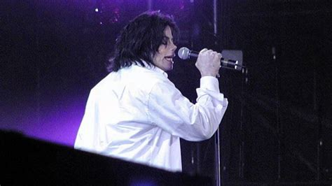 Michael Jackson - United We Stand: What More Can I Give