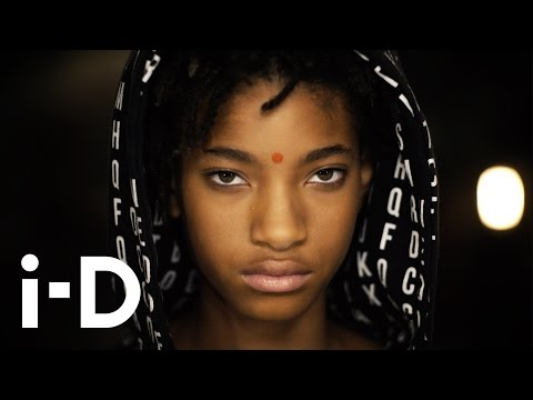 Celebs Out & About: Willow Smith Shopping with Mom Jada